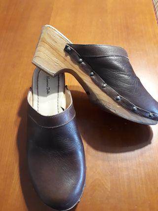 zapatos tipo zuecos esclops marca