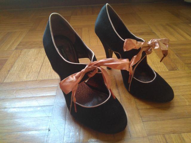 Zapatos Hazel raso T. 36 de segunda mano por 40 € en Madrid en WALLAPOP 94fb77f187ce