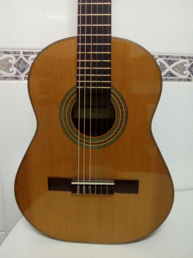 Guitarra Admira rebajada