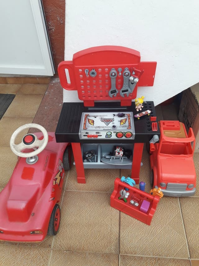 Taller mecánico, camión, maletín...