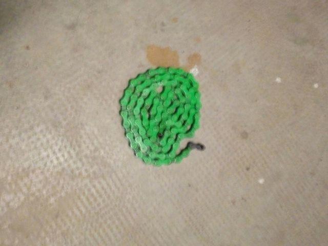 cadena bici color verde