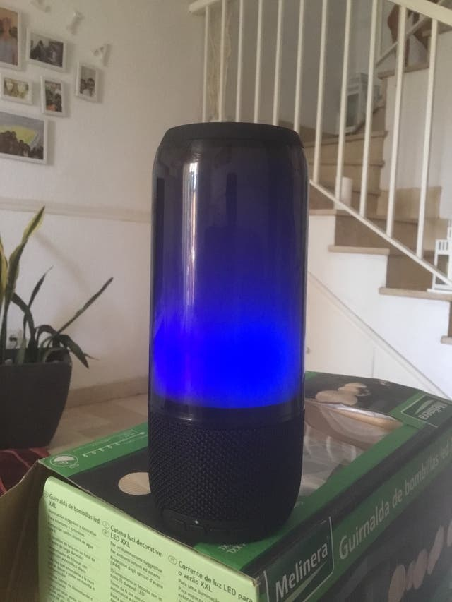 Altavoz bluetooh agua