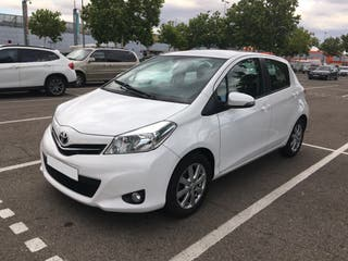 Toyota Yaris 2013 70city 5 puertas impecable