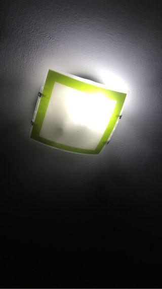 Plafon con detalles verdes