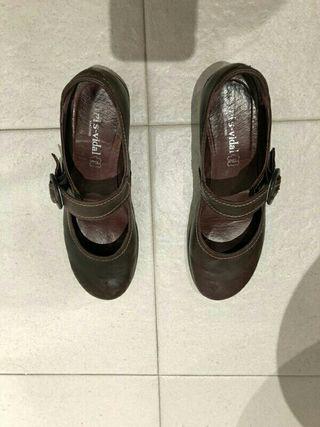 zapato cuña de goma
