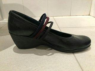 zapatos piel cuña de goma