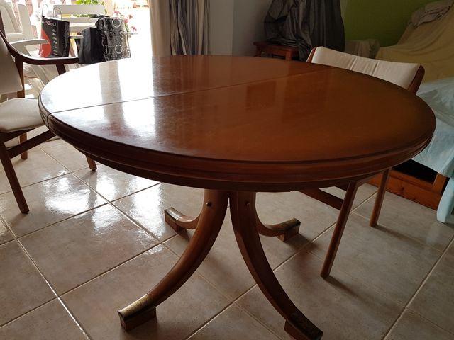 Mesa comedor redonda extensible en madera maciza. de segunda mano ...