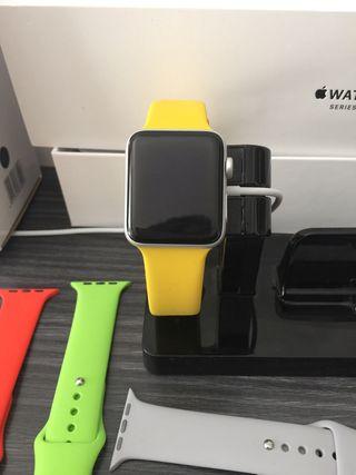 Apple watch serie 3 42mm con 6 juegos correas