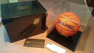 Balón firmado por Scottie Pippen