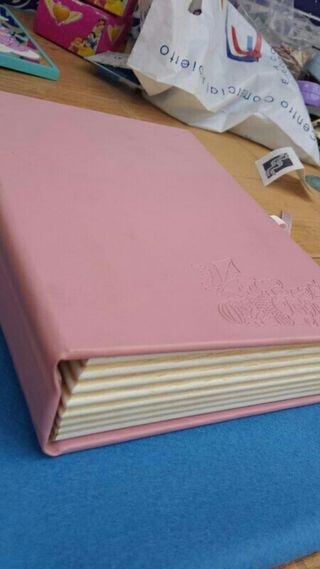 Caja libro bebe