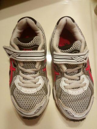 zapatillas asics niño 27