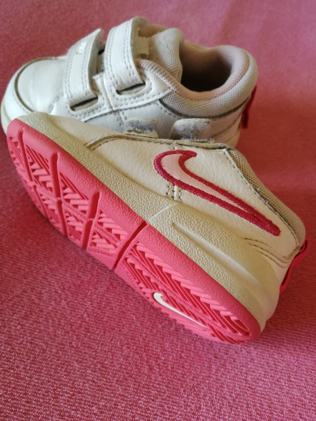 Escéptico bomba Rodeo  Zapatillas bebé talla 18,5 marca Nike de segunda mano por 6 € en Alpicat en  WALLAPOP