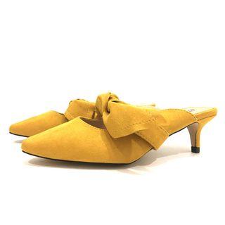 Zapato mostaza tipo mule