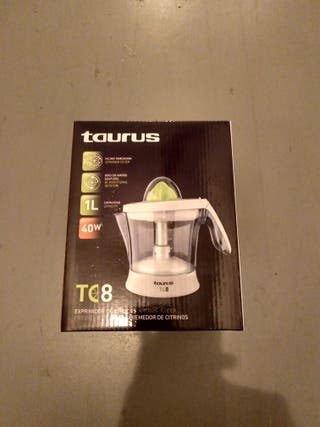 Esprimidor Taurus tc8.