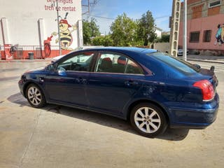 Toyota Avensis 2005 solo 157 k km. Revision anual