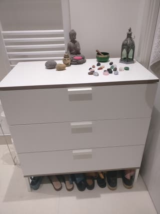 Chest of Drawers LIKE NEW