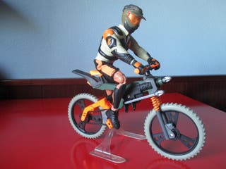 Action Man ciclista