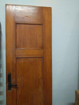 Puerta de madera maciza - sin marco - Tengo dos.