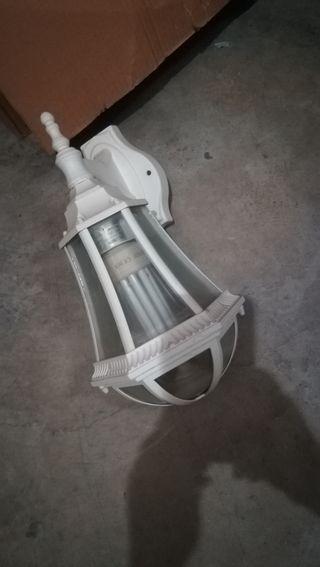 Farol y 4 lámparas pared