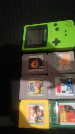 vendo gameboy color con 6 juegos