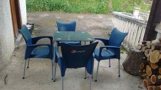 sillas y mesas de bar terraza