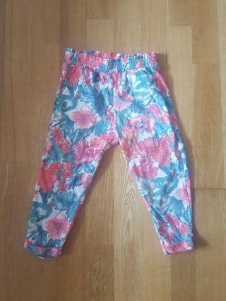 Zara talla 4 años pantalon floreado