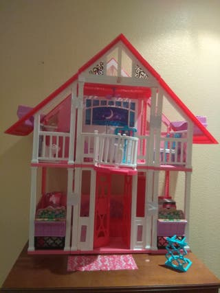 casa Barbie con ascensor