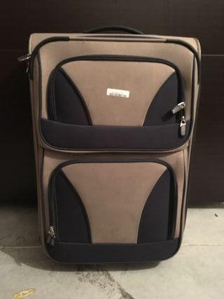 Vendo maleta 2 ruedas medidas 42x25x64