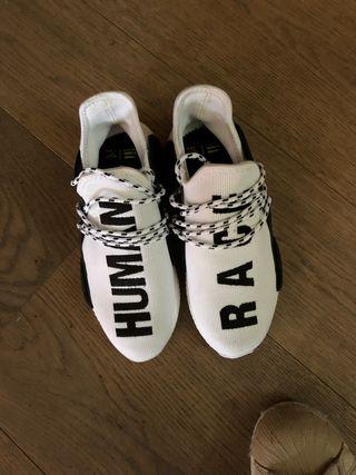Zapatillas adidas human race