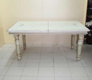 Antigua mesa de cocina