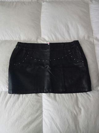 Falda negra talla L