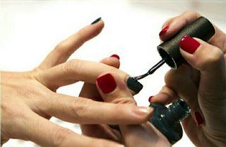 Alquiler sala uñas.