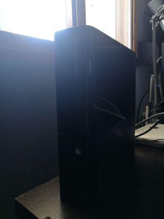 Consola xbox 360+1mando inalambrico+ gtaV