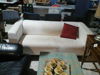 sofa blanco