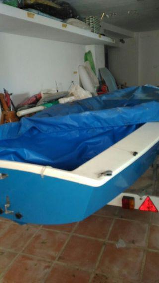 barco vela ligera
