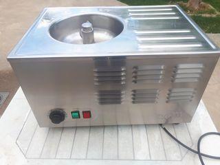 Máquina para hacer postres de helado.