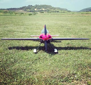 avion rc acrobático sbach 342