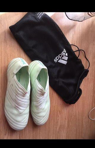 2 pares de botas