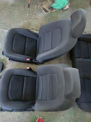 asientos delanteros y traseros abatibles Audi A4b8