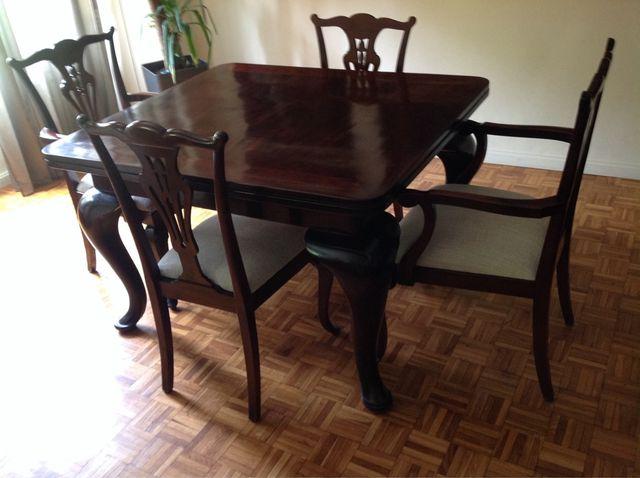 Mesa comedor y sillas de segunda mano por 2.000 € en Barcelona en ...