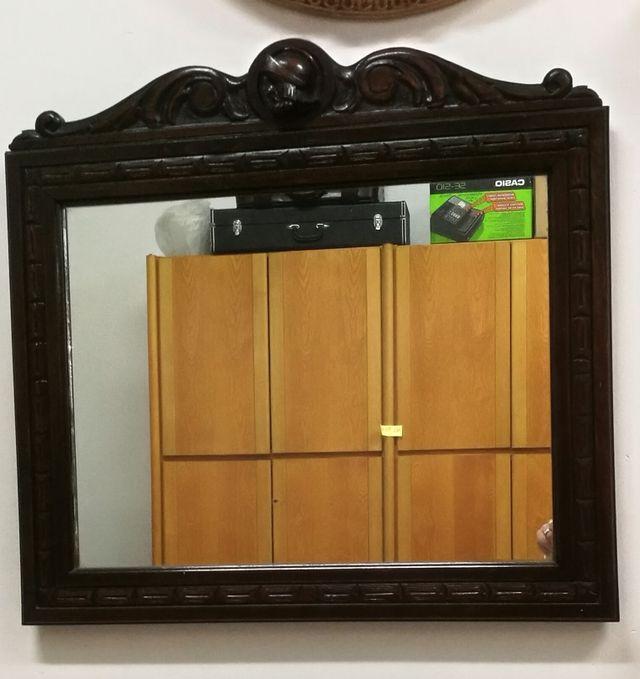 Espejo antiguo con copete y marco madera tallada de segunda mano por ...
