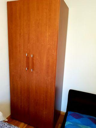 Armario color madera cedro