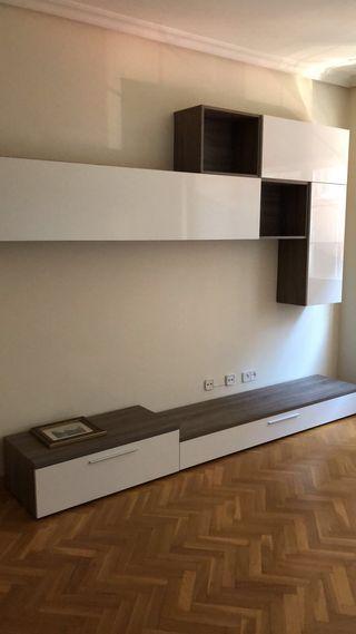 Mueble salón, mesa y cómoda