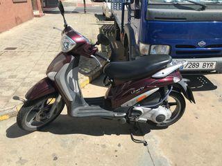 Vespa 200 4T llamar 626676435