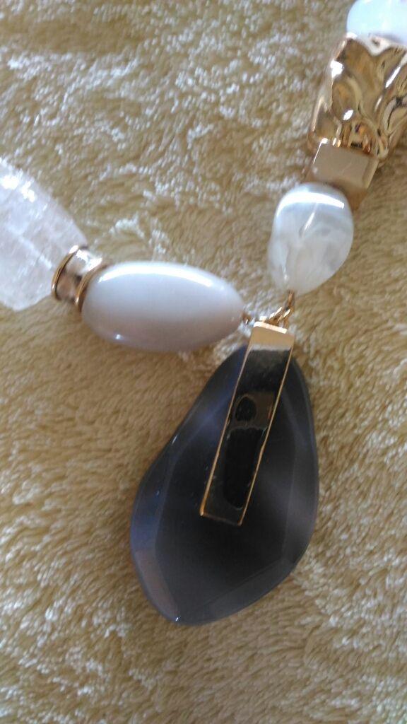 f94e6073a5cd Collar de Quarzos de Parfois de segunda mano por 20 € en La Moraleja ...