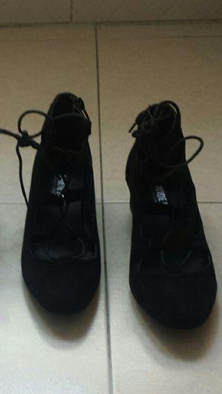 e8228138 Zapatos para mujer con cordones de segunda mano en la provincia de ...