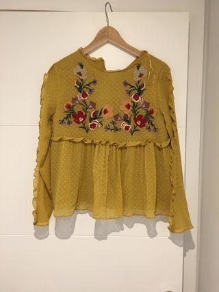Camisa plumetti bordada