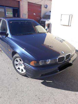 BMW Serie 5 2002 azul