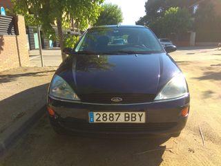 Ford Focus GHIA 2000