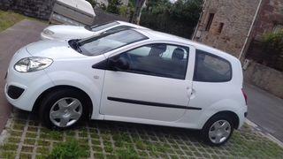 Renault Twingo 2008 1200 gasolina 1400.000kilometr
